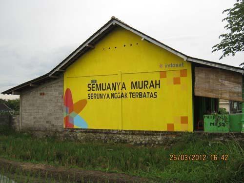 Jasa branding tembok oleh Empat Warna Productama