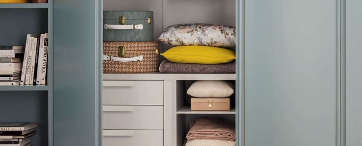 Unika, Wardrobes, Products | Novamobili. Soft surfaces and hues enhance materials and forms.  #wardrobe by #Novamobili #interior #design #aboutWARDROBE #hingeddoor
