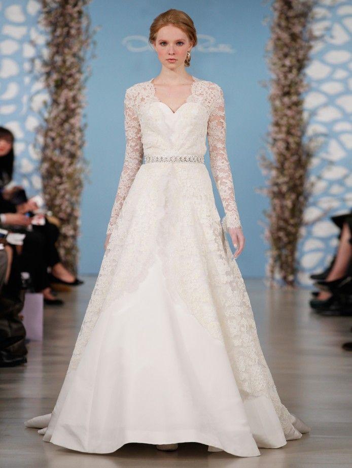 Oscar de la Renta's Alicia has chantilly lace sleeves