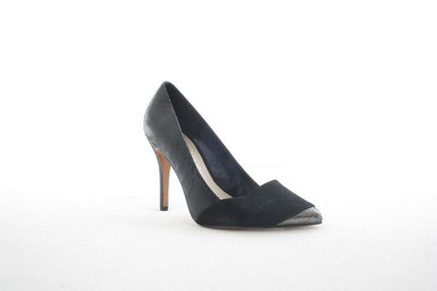 Five Year Noir (Size 3-8)An Elegant Shoe Can Make An Outfit.