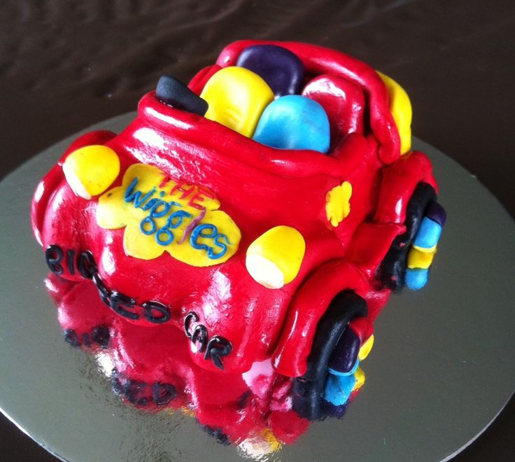 hand sculpted fondant wiggles big red car