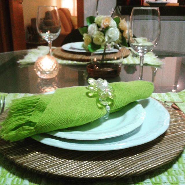 Mesa feita com carinho para comemorar o aniversário do meu ♥. #mesaposta #jantar #dinner #dinnertime #home #homedecor #souplastcamicado #minhacamicado #instagourmet #instagood  #instadecor #diy #aprendendoadecorar #minhacasa #boanoite