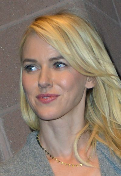 | Naomi Watts Breaks From Award