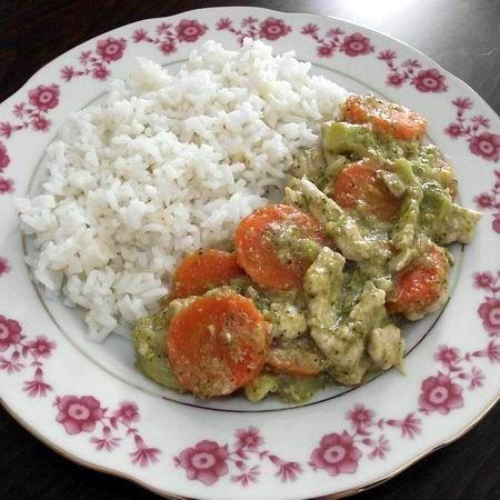 Egy finom Joghurtos-brokkolis csirkemell ebédre vagy vacsorára? Joghurtos-brokkolis csirkemell Receptek a Mindmegette.hu Recept gyűjteményében!
