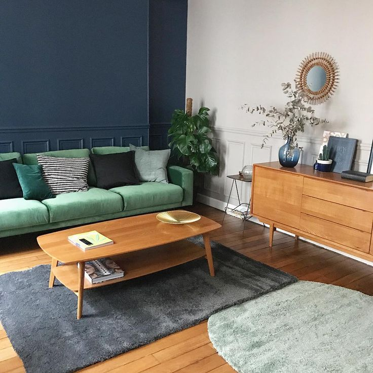 On continue le changement du salon avec les nouveaux tapis 💕 #home #interior #interiordesign #scandinavian #green #decoration #sofa #weekend
