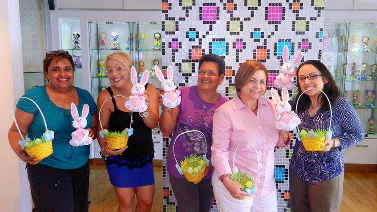 Curso Fofucho Bunny miercoles 16 de Abril El grupo de participantes de los miércoles hizo un alto en la Semana Mayor para tomar el Curso Fofucho™ Bunny El Conejito.