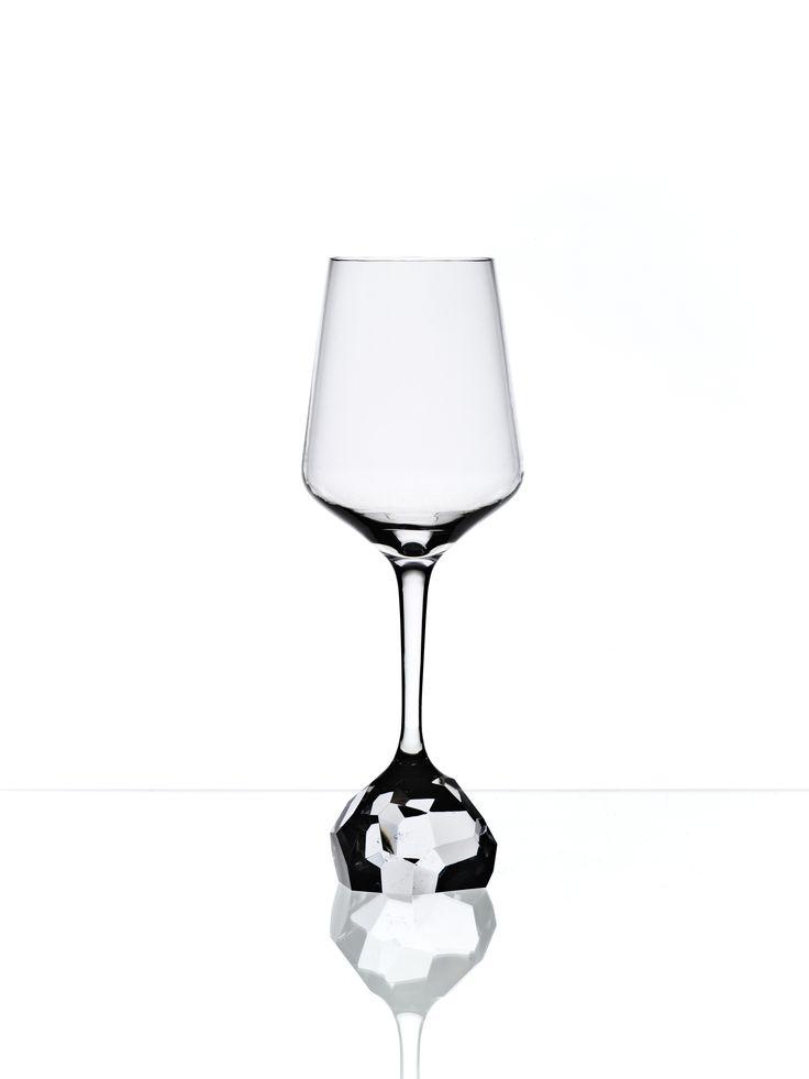 Diamond wine glass