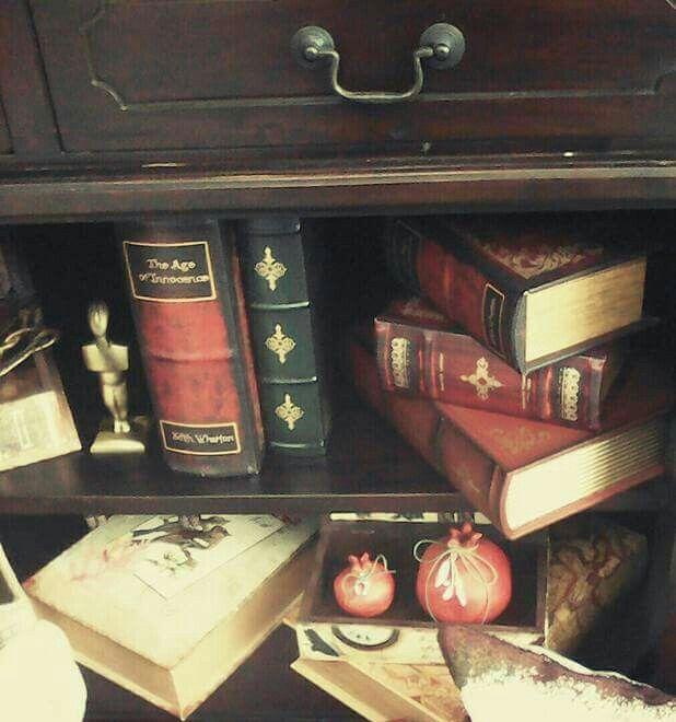 Κουτιά βιβλία ιδανικά για το γραφείο μας