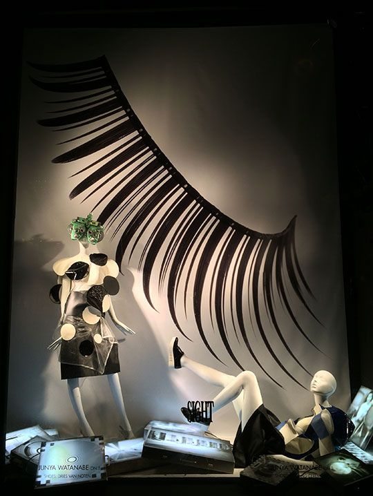 Bergdorf Goodman Los 5 sentidos, Vista Mar 15, #retail #windows #vitrines #vitrinas #escaparates #visualmerchandising Pineado por Pilar Escolano