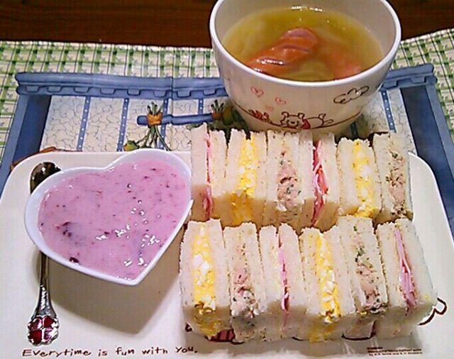 3/21 - 27件のもぐもぐ - 朝ごパン…サンドイッチ・キャベツとウインナーのスープ・フルーチェ by maichyo