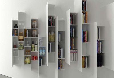 """Boffi En épi ce système d'étagères s'inspire des gratte-ciel et crée un tableau très graphique. """"CTline"""", design Victor Vasilev, Boffi."""