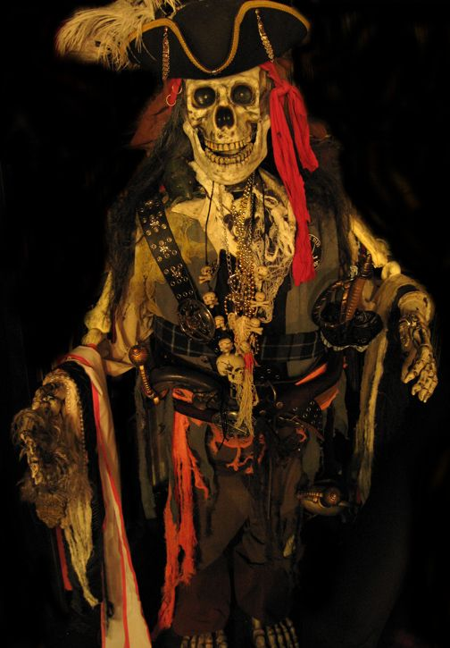 lots of ideas for halloween decoration or horror party - Halloween Skeletons