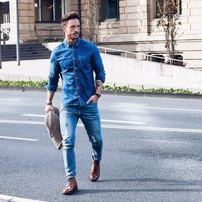 Bota Marrom Masculina, Macho Moda - Blog de Moda Masculina: Looks Masculinos com Bota Marrom, pra inspirar! Bota Masculina, Bota, Moda Masculina, Moda para Homens, Roupa de Homem, Jeans com Jeans, All Jeans, Camisa Jeans, Calça Skinny Jeans