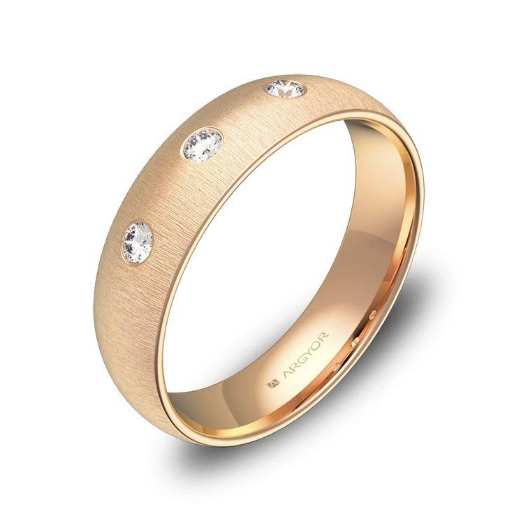 Anillo de boda de oro rosa y 3 diamantes brillantes. Descubre alianzas clásicas en la colección de alianzas de boda ARGYOR1954