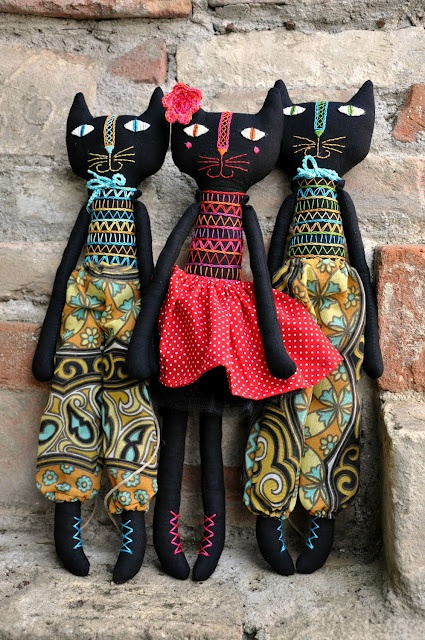 "LOVE these cats! ""Two Boys, One Girl - a lovely family of three kids"" by Hungarian doll maker Eszterda"