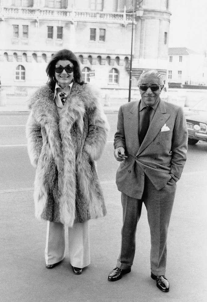 EVGENIA GL Aristotle Onassis - why he wanted Jackeline Kennedy     Ari and Jackie in Paris   On August 7, 1963, Jackie gave birth prematurely to her...