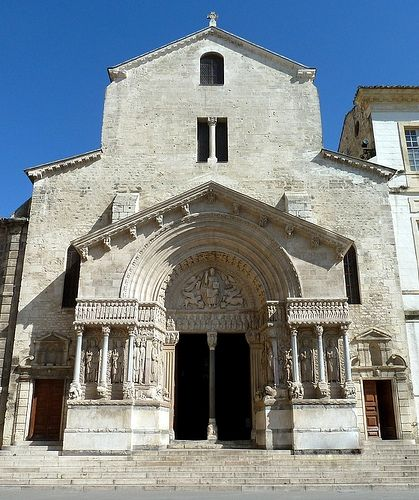 Ancienne Cathédrale Saint-Trophime d'Arles, Provence - St. Trophimus Romanesque church at Arles, France (a UNESCO Heritage site)
