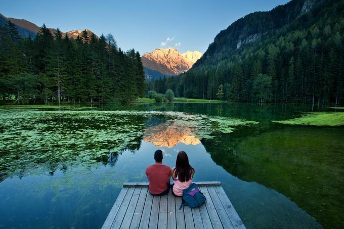 Planšarsko jezero na Jezerskem. Foto: Jošt Gantar, vir: www.slovenia.info.