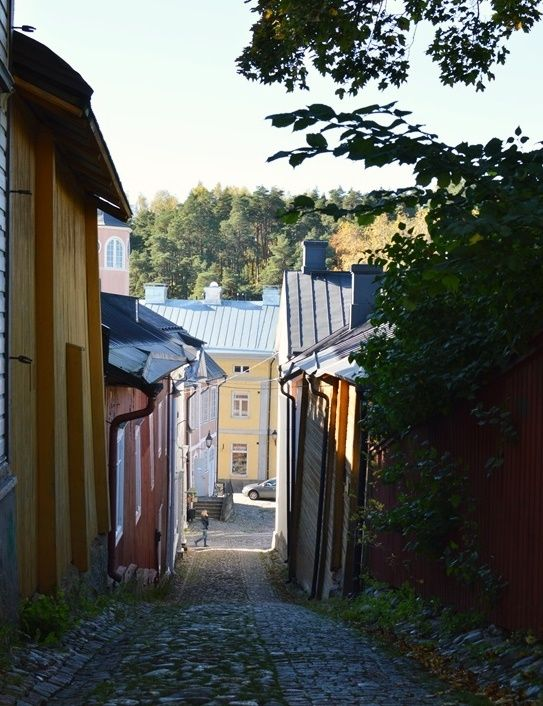 Porvoo, Finland // http://www.lily.fi/blogit/missa-olet-laura