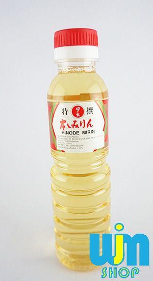 Hinode Mirin 320ml - Arak Masak Mirin digunakan pada masakan Jepang yang diolah dengan cara nimono (merebus dengan kecap asin dan dashi) dan campuran untuk berbagai macam saus, seperti saus untuk kabayaki (tare), saus untuk soba (soba-tsuyu), saus untuk tempura (tentsuyu) dan saus teriyaki.