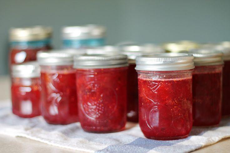 Super Easy Strawberry Fig Preserves