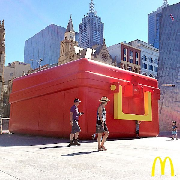 Australia- McDonalds set up giant lunch box pop-ups in order to publicize the launch the 100 per cent Aussie rump Steak Taster Wrap.  Better than a billboard, pop-ups are a great way to sample, gaining audience! PopUp Republic
