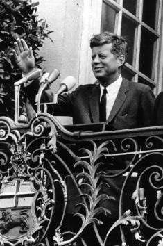 1963. 26 Juin. JFK: 'I Am a Berliner (Ich Bin ein Berliner')