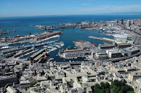 Programmato da parecchio tempo, dopo molti rinvii, siamo riusciti finalmente ad andare a Genova, in particolare a vedere l'acquario. Nonostante abbiamo messo la sveglia presto, per colpa mia siamo ...