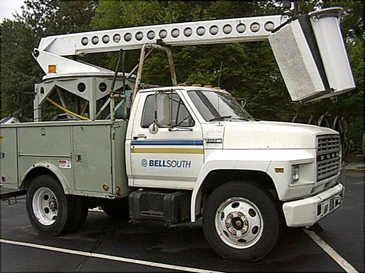 Circa 1990s BellSouth 'bucket' truck used by cable splicers/repair technician (aka Facility Techs).