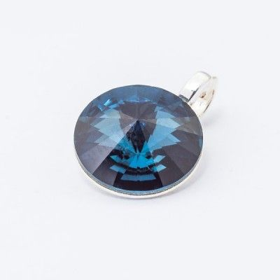 Silver plated Swarovski Rivoli Pendant 12mm Montana  Dimensions: length: 1,7cm stone size: 12mm Weight ~ 1,40g ( 1 piece ) Metal : silver plated brass Stones: Swarovski Elements 1122 12mm Colour: Montana 1 package = 1 piece Price 9.40 PLN(about 2.5 EUR)