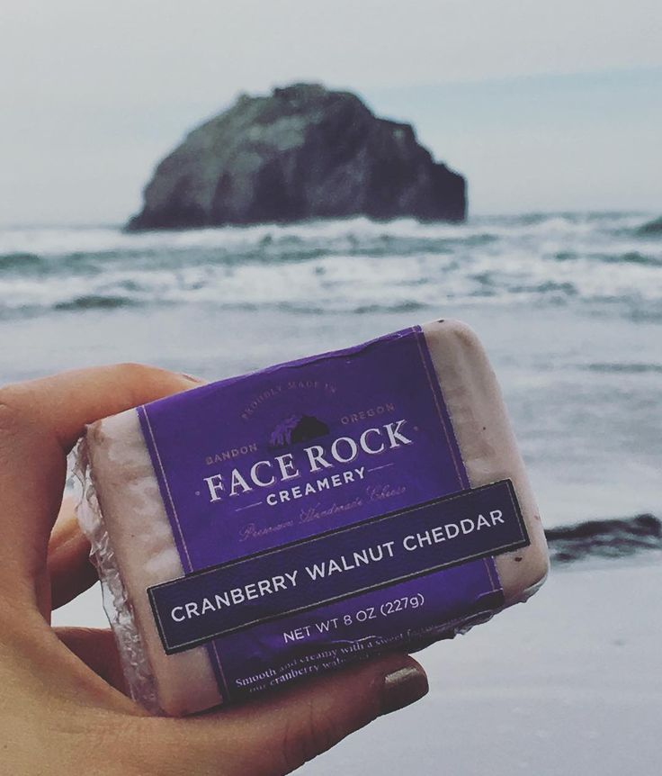 We love this view from IG:fiona.bai! Smooth and creamy with a sweet festive surprise, our cranberry walnut cheddar is a delight for your taste buds. Combining aged cheddar with local cranberries and crisp walnuts, our Cranberry Walnut Cheddar is at home on a cheese plate or with your favorite wine.