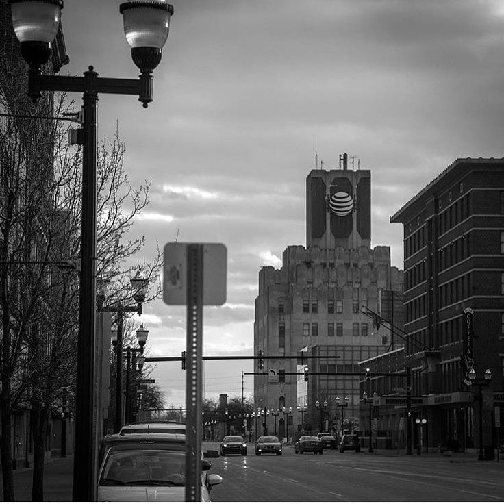 "171 Likes, 6 Comments - Saginaw Michigan (@saginaw.michigan) on Instagram: ""AT&T building on Washington. 📸:@eazye_30"""