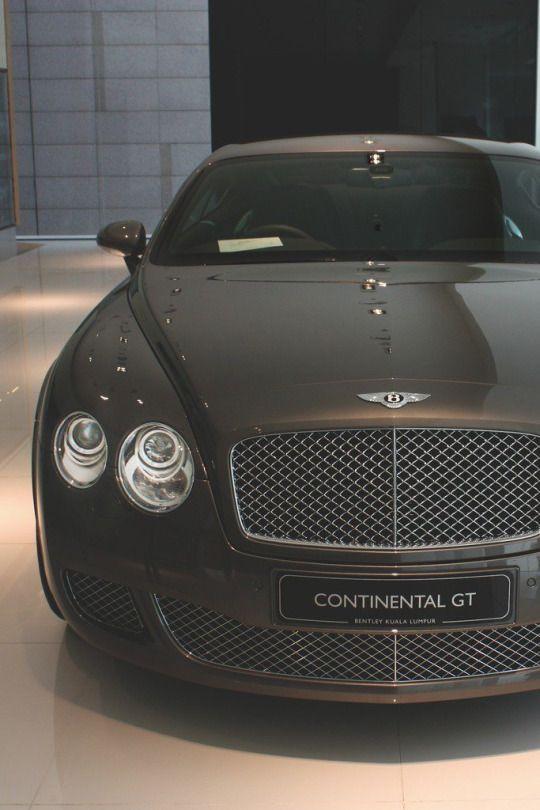 Luxury Cars for a Luxury Lifestyle | www.bocadolobo.com #bocadolobo #luxuryfurniture #exclusivedesign #interiodesign #designideas #luxurylifestyle #luxuriouslife #luxuriousstyle