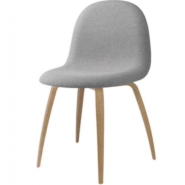 Rigtig skøn spisebordsstol fra GUBI i et lækkert dansk design. #gubi #indretning