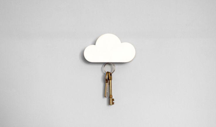 Portachiavi da muro Cloud Keyholder http://www.differentdesign.it/portachiavi-da-muro-cloud-keyholder/ Un simpatico #portachiavi magnetico a forma di nuvola
