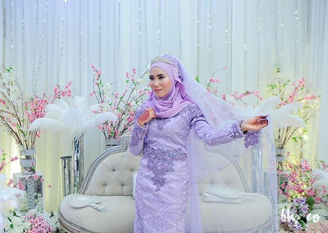 haii syg2 👰🏻 🙋🙌👸👰 Ada yg last minute nk booking? Date bawah ni: 🌸1&2/4= 2xbooking available 🌸8&9 =1x booking available 🌸30/4 =1x booking available  Boleh terus whatsapp details utk check design.  P/s: Package yg available Rm650 tu RM 1.8k shj😎  013 9278056 yatt 💐💐😄#bunga #flowers #photographer#wedding #mersing #rompin #muadzam #endau #butikpengantin #eventplanner #weddingartiesbridal #weddingplanner#live #weddingpahang #props #pelamin #party #pengantin #pakejperkahwinan #moden…