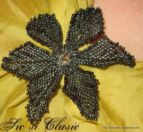 haute couture designer Adelina Maries http://sicsiclasic.wordpress.com Chic brooch Beading art - arta margelitului