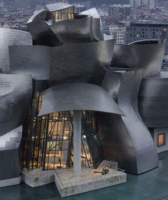 Guggenheim Museum in Bilbao. Architekt ist der kanadisch-US-amerikanische Architekt und Designer Frank O. Gehry. ... Bauwerk des Dekonstruktivismus