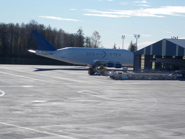 Boeing Dreamlifter             Boeing 747-4H6(LCF) Dreamlifter N718BA c/n27042 Snohomish County Airport/Paine Field - KPAE November 8, 2016 at the Dreamlifter Operations Center located adjacent to the Future of Flight Museum