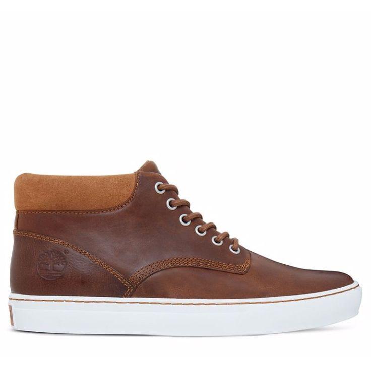 Réf : A1JQK Réjouissez-vous devant la multitude de caractéristiques que présentent ces Chaussures pour Homme Timberland Adventure Cupsole Chukka en couleur Marron. En effet, elles s'habillent d'un cuir de bonne manufacture puisqu'il est réalisé par un atelier noté Argent par le Leather Working Group ainsi que d'une semelle extérieure écoresponsable qui offre au minimum 34% de caoutchouc recyclé. La doublure de ce modèle est garantit 100% PET recyclé.