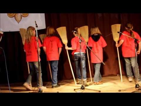 Pět ježibab  http://www.musicer.net/karaoke-texty-pisni/petr-skoumal/5-jezibab