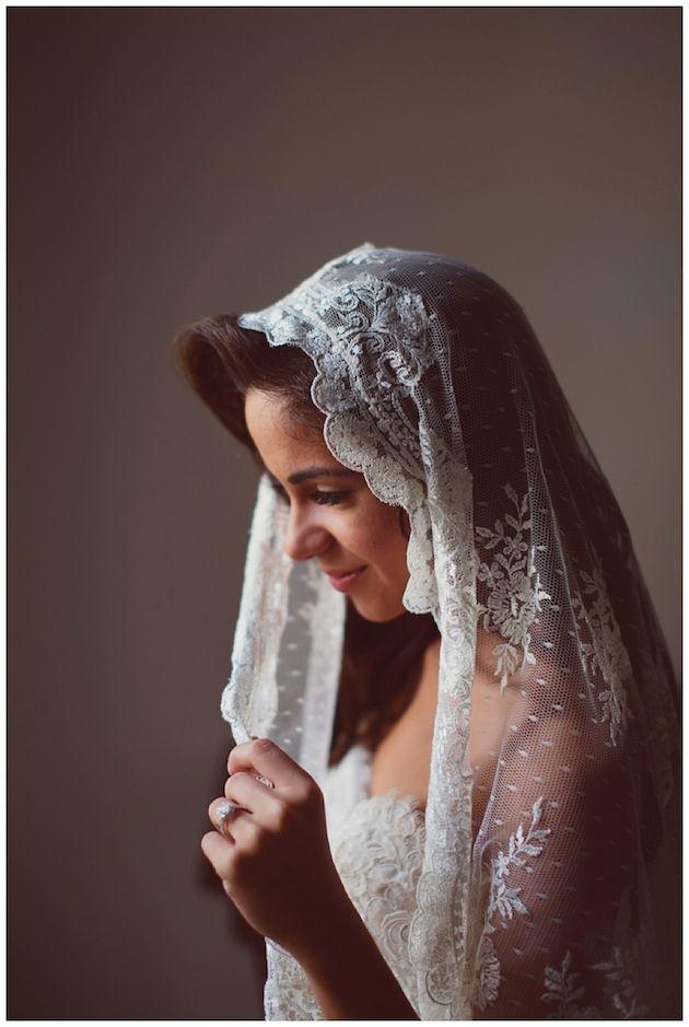 Gorgeous bride, gorgeous mantilla veil.