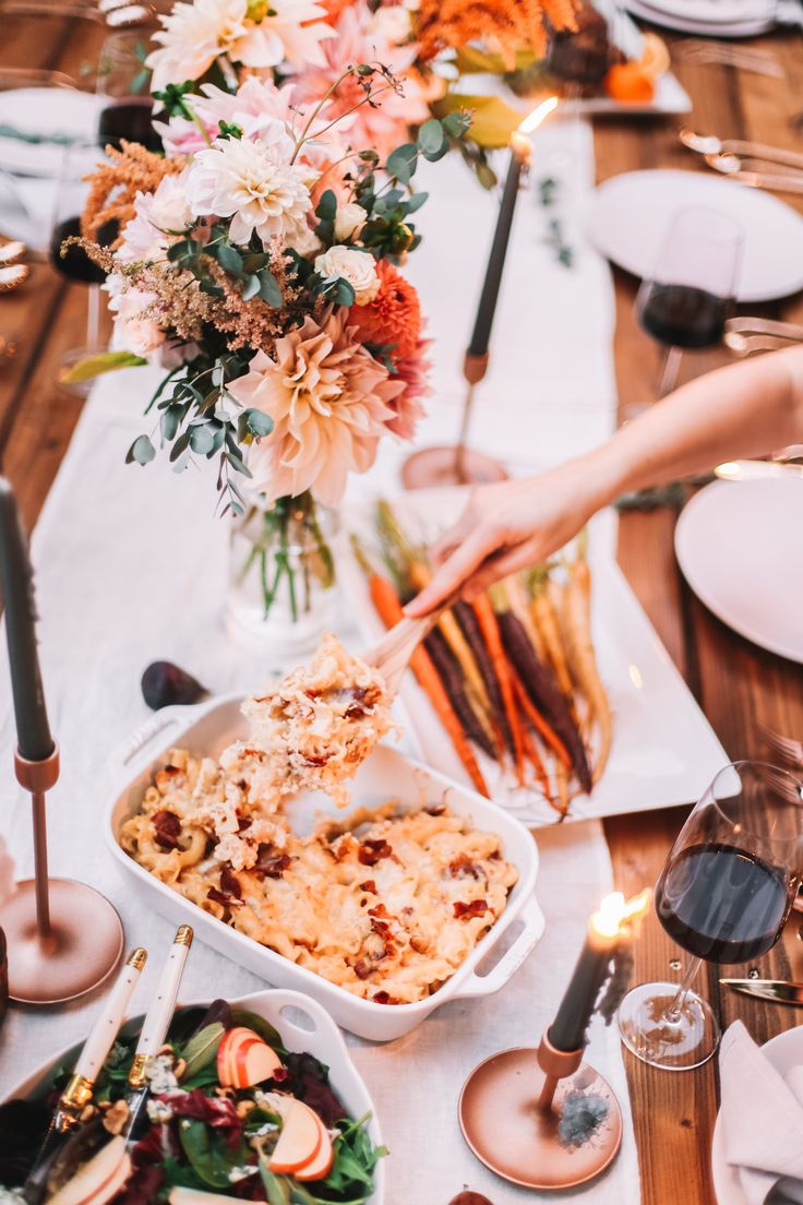 Friendsgiving Menu, ideas + Table Decor for 2018!