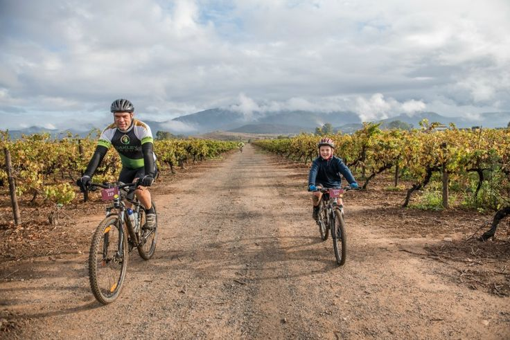 5 Family-Friendly things to do at the Wacky Wine Festival in Robertson (plus WIN)