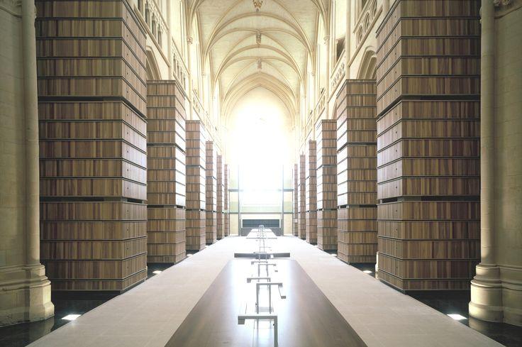 Calvados - Caen - Bibliothèqye à l'abbaye d'Ardenne