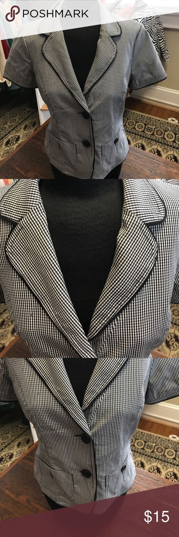 Black /White Stripe Cropped Jacket-Kes Such a cute look in black/white. A great layering piece with short sleeves, pockets and two black buttons down front. Jacket is lined in Black poly, piped in black solid. Excellent condition tribella Jackets & Coats