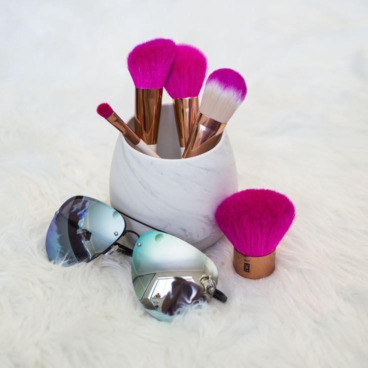Pink UBU makeup brushes > every other makeup brush  #ubu #pink #makeup #makeupbrushes #vignette