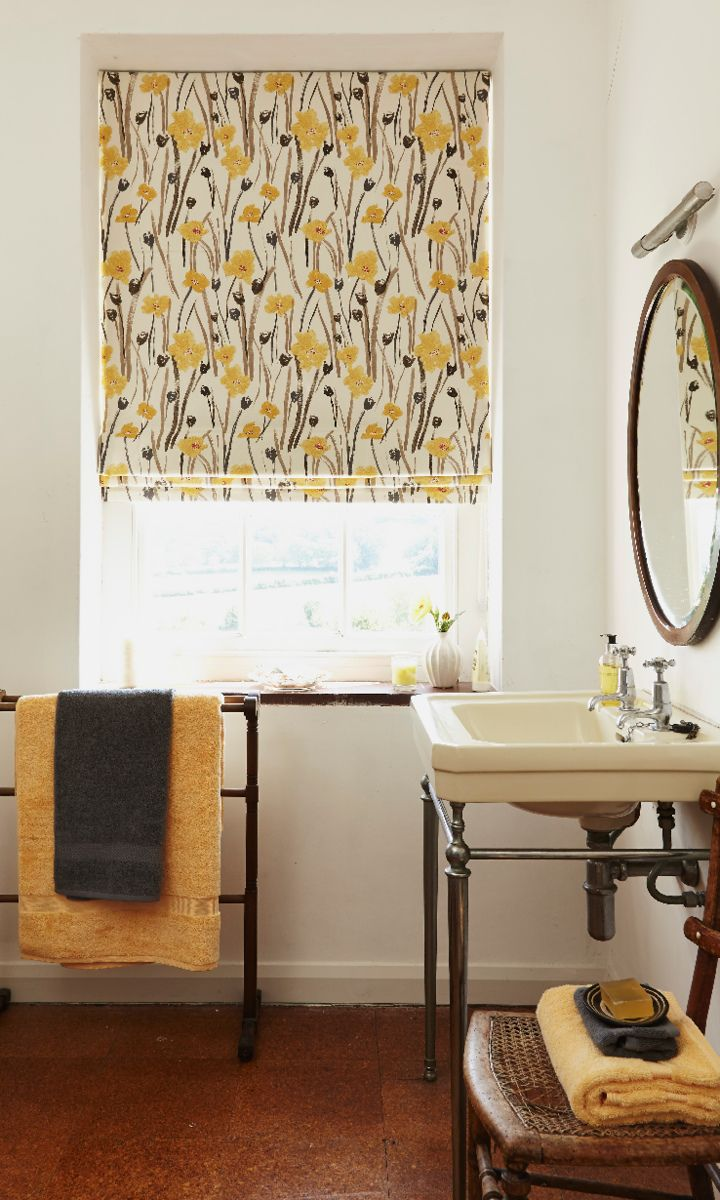 Roller blinds for bathrooms uk - Add Vintage Style Accessories To Create A Lovely Country Style To A Room Made To Measure Wild Poppies Gold Roman Blind
