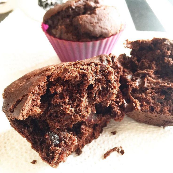 #vegan #chocolate #muffin #breakfast #ricemilk end #italian #coffee  #colazione #muffin al #cío colado #vegano #latte di #riso e #cafe #italiano  #desajuno #magdalena de #chocolate  #vegan #leche de #arros y #café de #italia