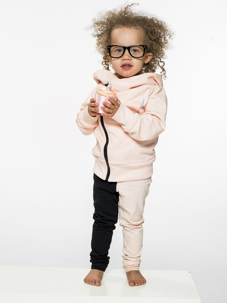 Gugguu, kids fashion, kids style, summer style, pastel clothes, kids clothes, boys style, little boys, little girls, college hoodie, hoodie, baggy, leggings